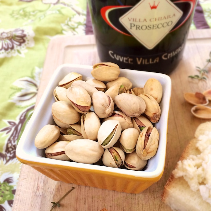 Pistachio, Apricot & Ricotta Challah Toasts | Teaspoonofspice.com