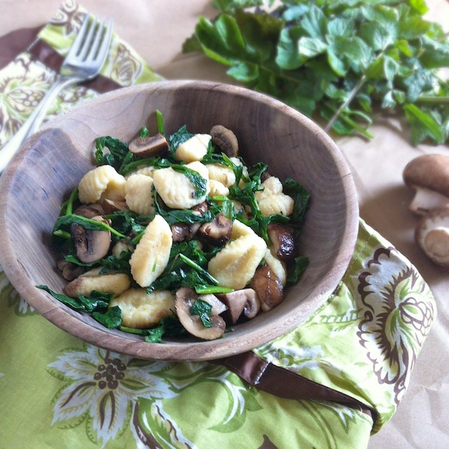 27 Delicious Ways To Enjoy Leafy Greens -like Gnocchi with Greens and Mushrooms @tspbasil
