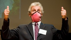 thumb lg ignobels Dr. Donald Unger Among Ig Nobel Prize Laureates Awarded For Lifelong Arthritis Research Photo