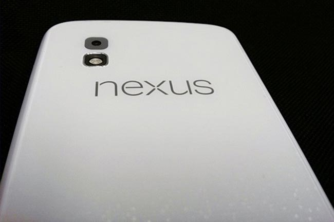 White Google Nexus 4 leak
