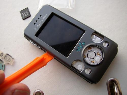 w580i-mobiltelefon-med-defekt-display