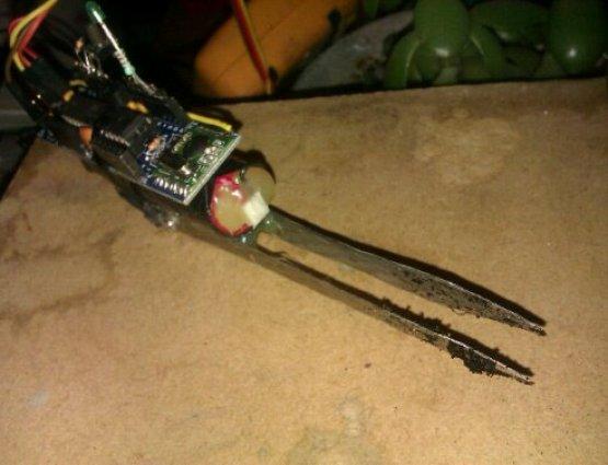 potteplate overvåges hed denne jeenode med rustfri stål spyd