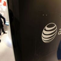 AT&T rolls out mobile security software for smartphones