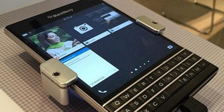 20141125172903-blackberry-pay-iphone-users-550-dollars-switch-phones-passport