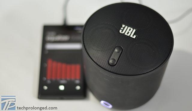 jbl-playup-wireless-speaker-1