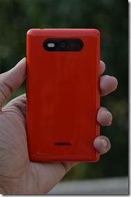 nokia-lumia-820-portrait-2
