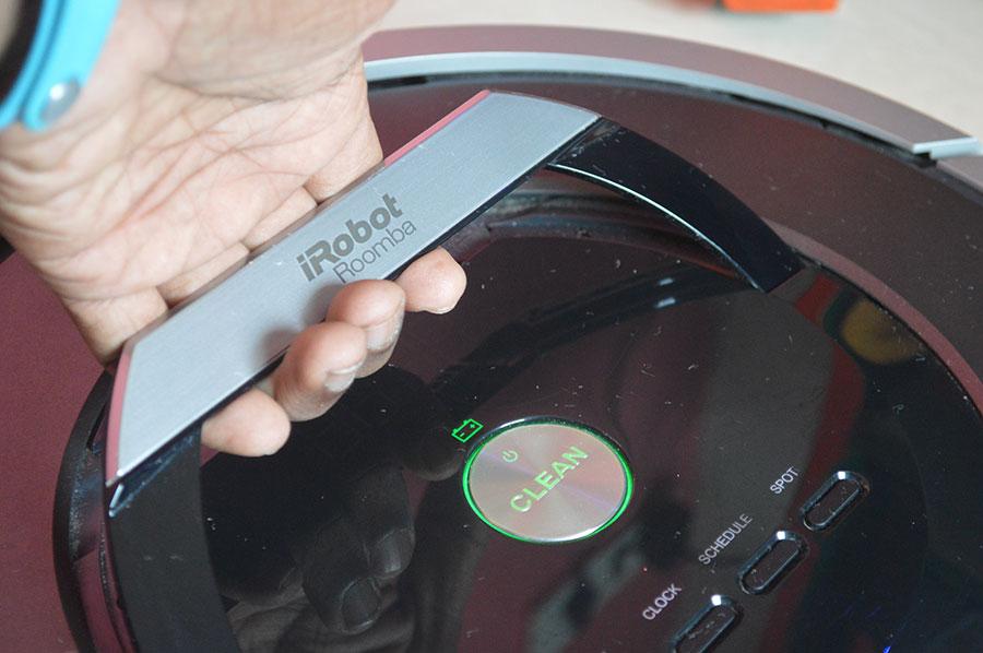 iRobot-Roomba-Carrying-handle