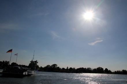 Die Rheinfähre in Zons