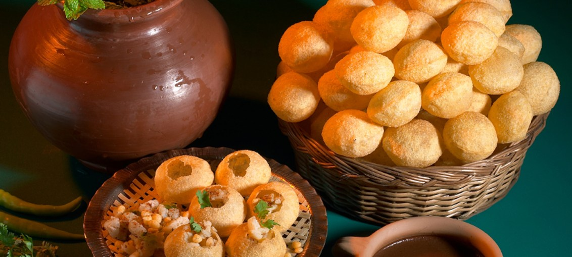food facts, veg food, indian food, street food, pani puri, gol gappe, pani ke patashe, fulk, indian street food, popular indian food, indian snacks