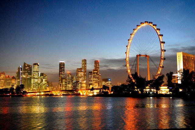 must visit places in singapore, singapore flyer
