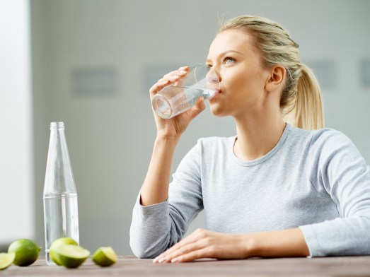 drinking water, toxins, empty, stomach