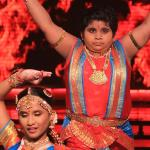 Akshat Chota Packet's elegant dance Kathak with Vaishnavi