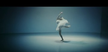 Sia 『アライヴ feat. 土屋太鳳   Alive feat. Tao Tsuchiya』   YouTube