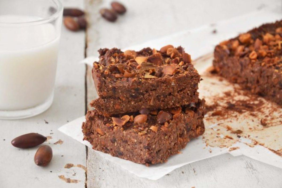 Brownie de castanha de baru com chocolate