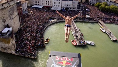 red-bull-cliff-diving-larochelle