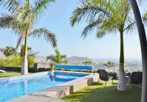 3 bed 3 bath Luxury Villa with pool  For Sale, in Caldera Del Rey 1,575,000€