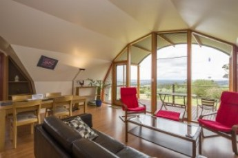 Tennessee Hill Chalets - Living Chalet2a