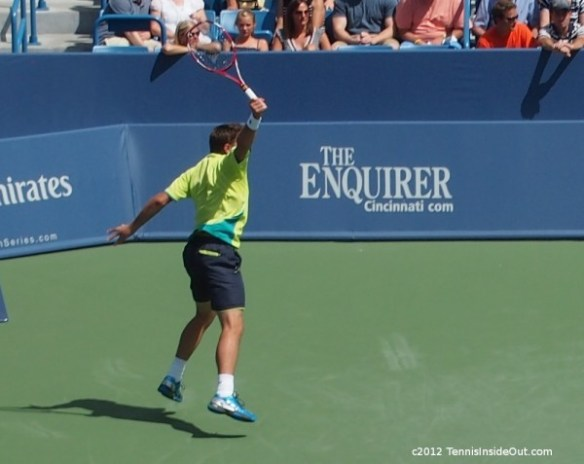 Cincinnati Wawrinka Federer semifinal match flying backhand Western and Southern Open 2012 pictures photos images pics