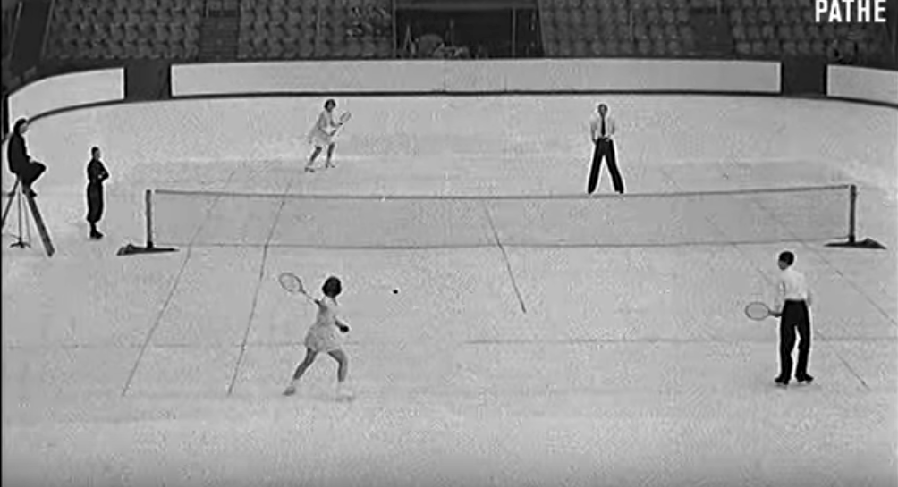 Video: Tennis on ice