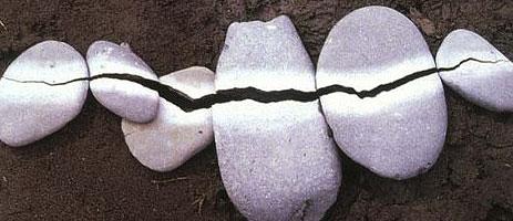 goldsworthy_stones