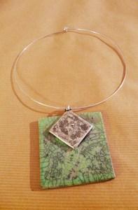 collier-plaque-verte