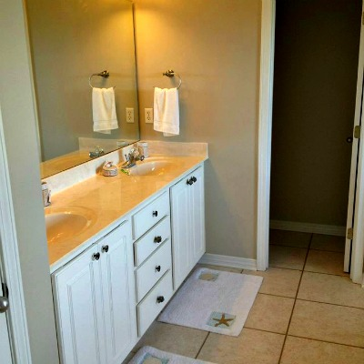 Crystal Beach Destin rental home bathroom