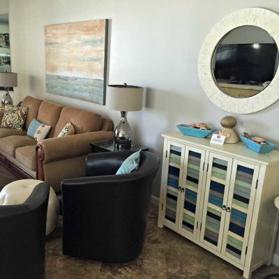 Sterling Sands Destin rental condo living room