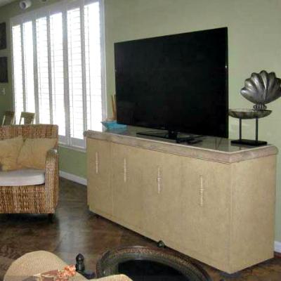 Sterling Sands Destin rental condo living room media area