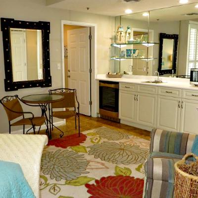 Sterling Sands Destin rental condo second master bedroom bar