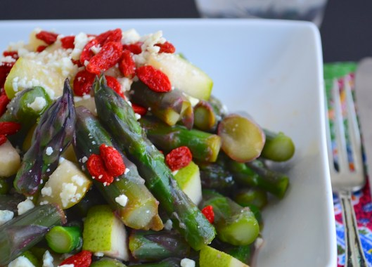 DSC_0209purple asparagus salad with blue cheese and goji berries