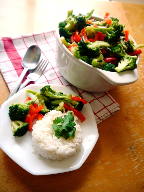 Stir-Fried Broccoli with Ginger and Thai Oyster Sauce Recipe | Thai ...