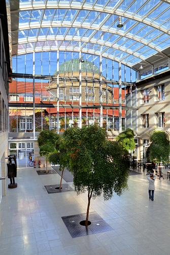 Das Asien-Afrika-Institut, Foyer