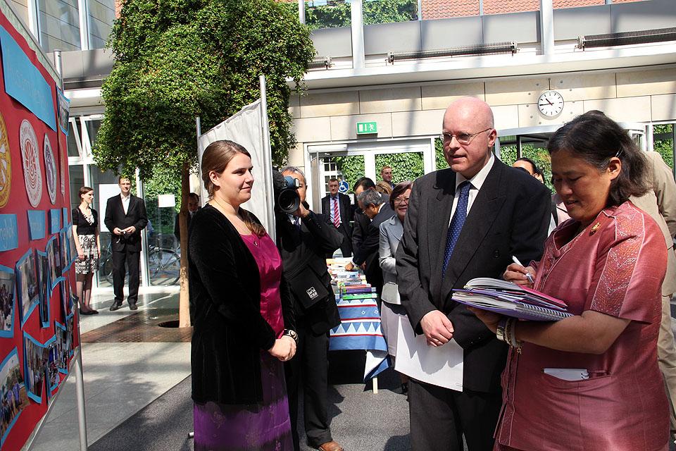 Besuch Prinzessin Sirindhorn am AAI Hamburg (29. Juni 2011) - Bild 14