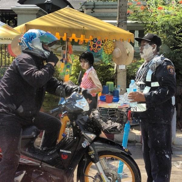 wloe_nz-sk-policeman-600x600