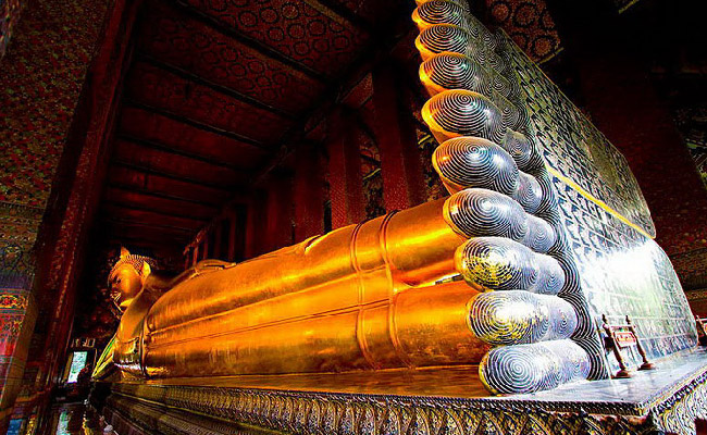 Wat Pho - ThaiSims Best 4G Mobile Router Rental in Thailand