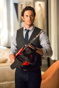 "SCREAM QUEENS: Oliver Hudson as Wes in the ""Chainsaw"" episode of SCREAM QUEENS airing Tuesday, Sept. 29 (9:00-10:00 PM ET/PT) on FOX. ©2015 Fox Broadcasting Co. Cr: Skip Bolen/FOX."