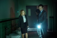 """THE X-FILES:   L-R:  Gillian Anderson and David Duchovny in the """"Home Again"""" episode of THE X-FILES airing Monday, Feb. 8 (8:00-9:00 PM ET/PT) on FOX.  ©2016 Fox Broadcasting Co.  Cr:  Ed Araquel/FOX"""