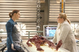 """BONES: L-R: Emily Deschanel and guest star Barbara-Kimberly Cannon in the """"The Strike in the Chord"""" episode of BONES airing Thursday, May 19 (8:00-9:00 PM ET/PT) on FOX. ©2016 Fox Broadcasting Co. Cr: Patrick McElhenney/FOX"""