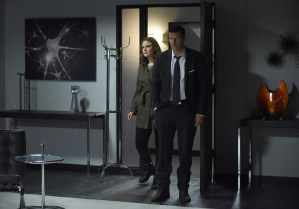 """BONES:  L-R:  Emily Deschanel and David Boreanaz in the """"The Final Chapter:  The Hope in the Horror"""" season premiere episode of BONES airing Tuesday, Jan. 3 (9:01-10:00 PM ET/PT) on FOX.  ©2016 Fox Broadcasting Co.  Cr:  Ray Mickshaw/FOX"""