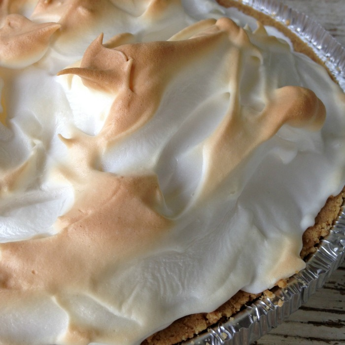 lemon meringue close up