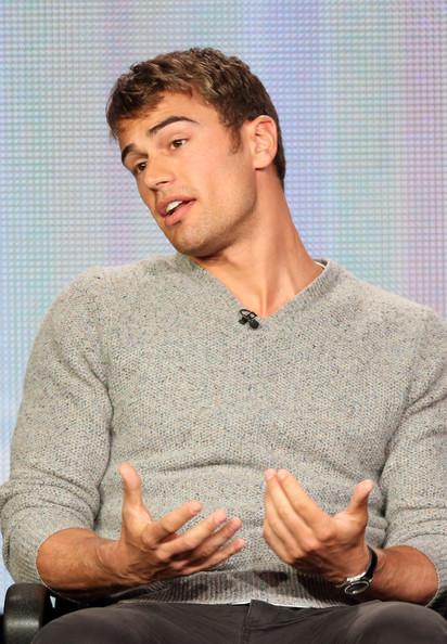 Theo James sweater