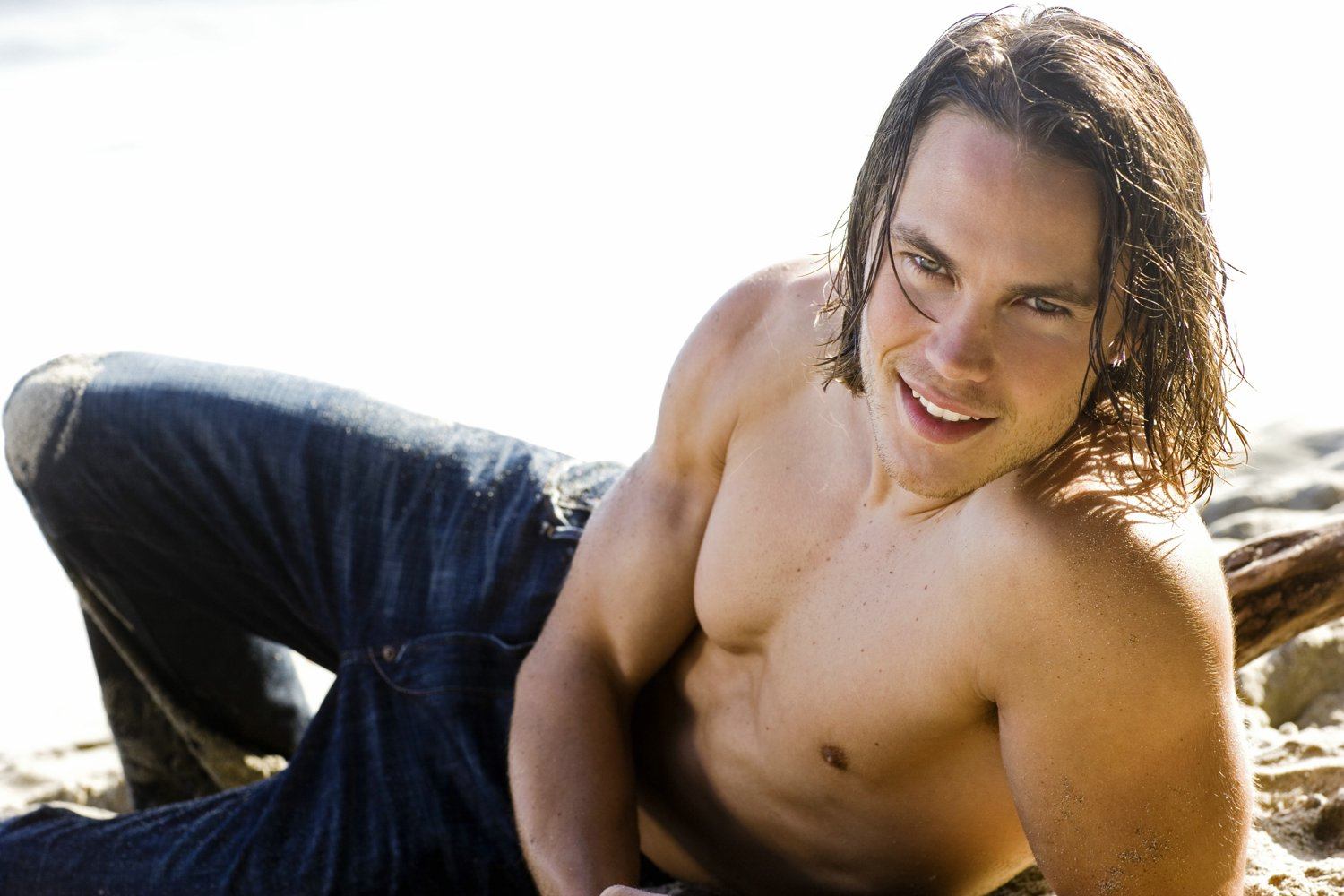 Interview with Friday Night Lights hottie Taylor Kitsch