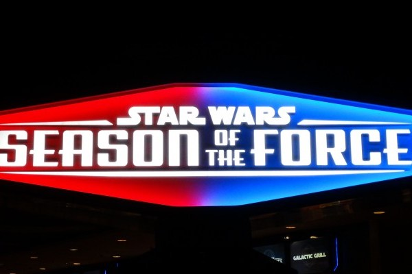 Disneyland: Star Wars Season of the Force Review Part 1
