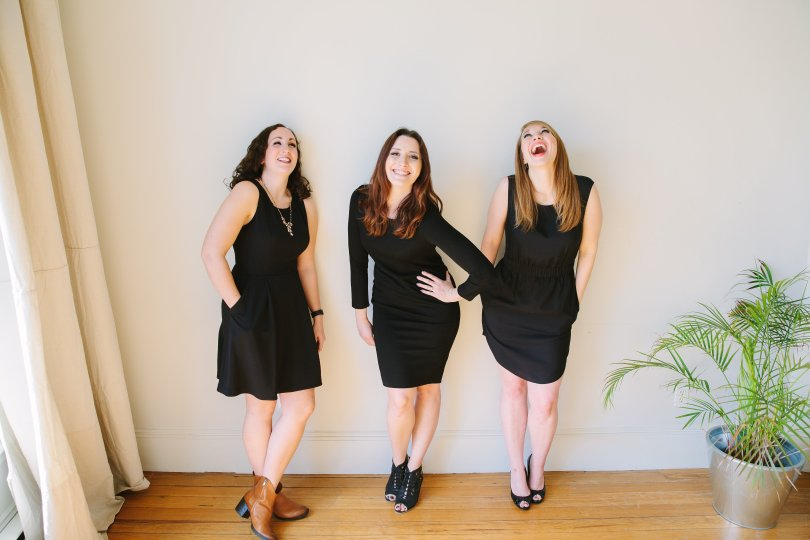 Hannah, Justine, and Alexandra, three babes in black.