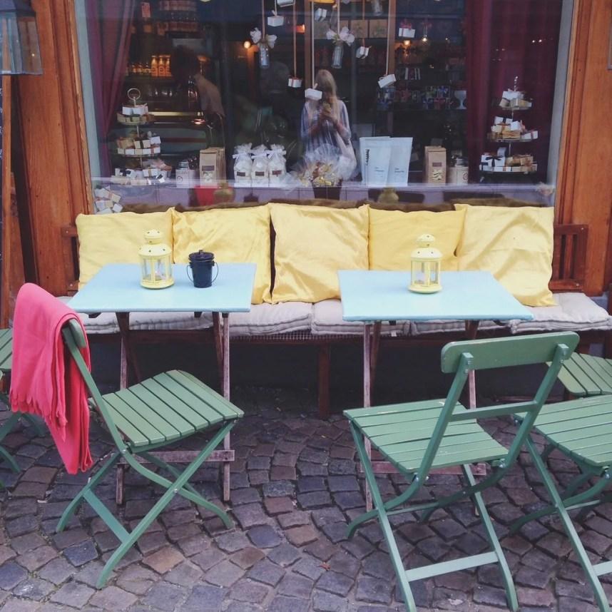 INGRIDESIGN_norwegian mood_outdoor cafe