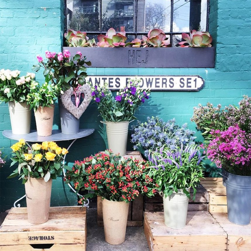hej_bermondsey_coffee_house_flowers_exterior