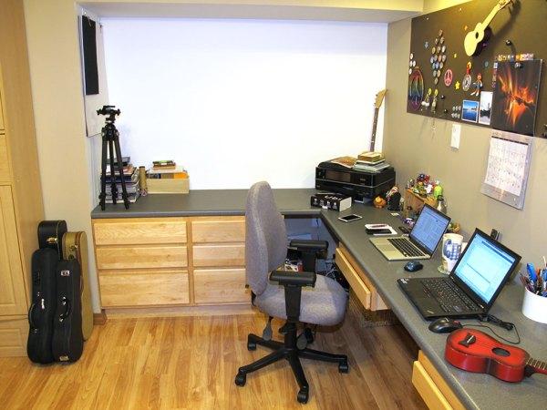 julie-office-2