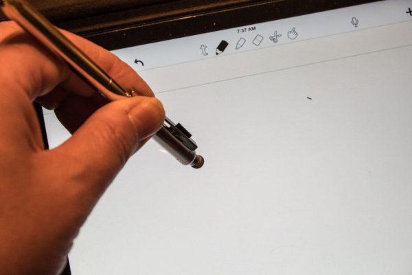 16) Stylus on iPad Hard