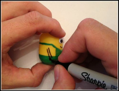 Kinder surprise minion (2)