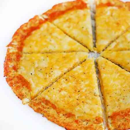 low-carb-cauliflower-pizza-3
